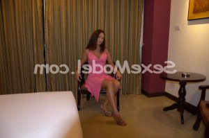 Janaelle escorte girl massage naturiste